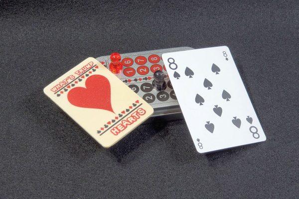 I Heart Euchre Score Keeping Tin Set main